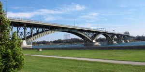 Fort Erie Peace Bridge by Takashi Toyooka https://www.flickr.com/photos/takashi/15983968683/