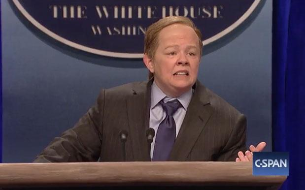 Melissa McCarthy plays the role of Sean Spicer